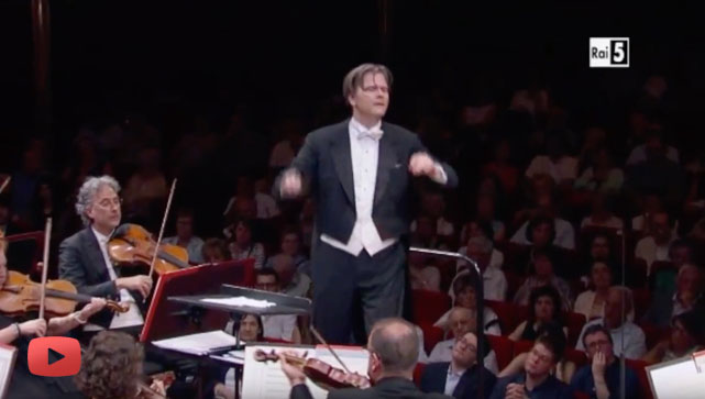Conductor Christopher Franklin conducts the Orchestra RAI di Torino